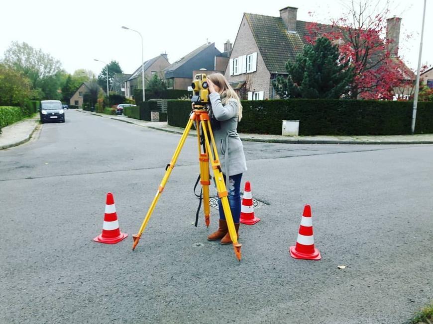 Landmeter-expert Van den Berghe